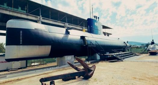 Podmornice u Tivtu
