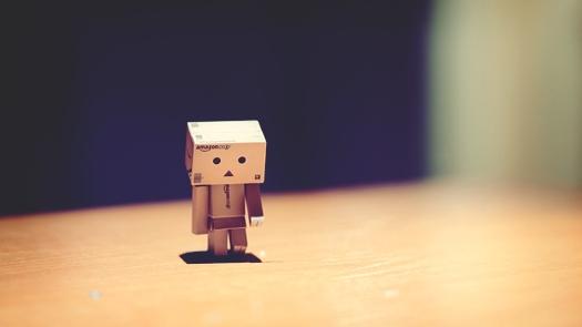 danboard_robot_sad_cardboard_robot_66315_1280x720